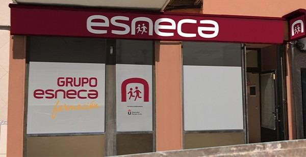 Contacta con Esneca