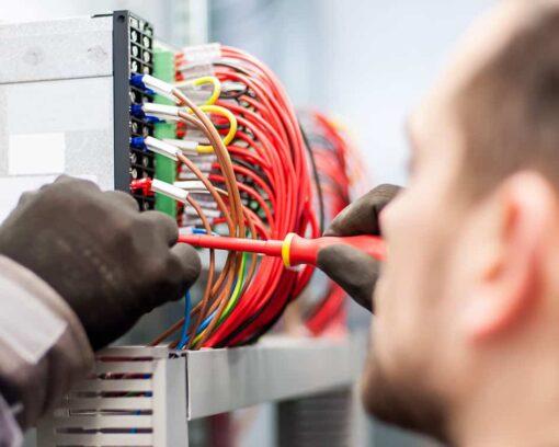 estudiar curso instalaciones eléctricas y ser técnico profesional