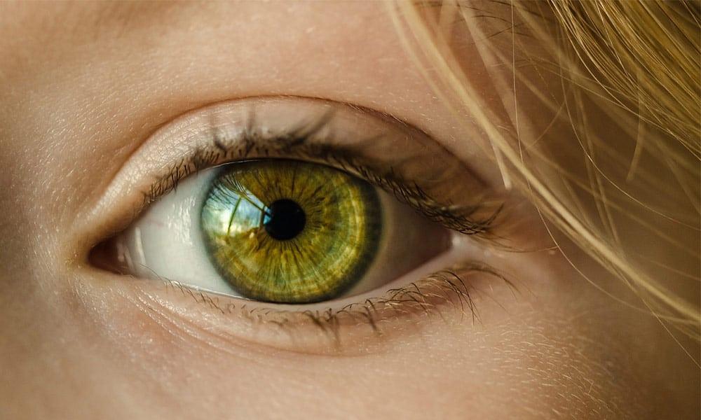 Retoque fotográfico: cómo cambiar el color de ojos