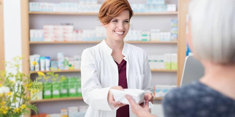 Estudiar farmacia a distancia te convertirá en experto