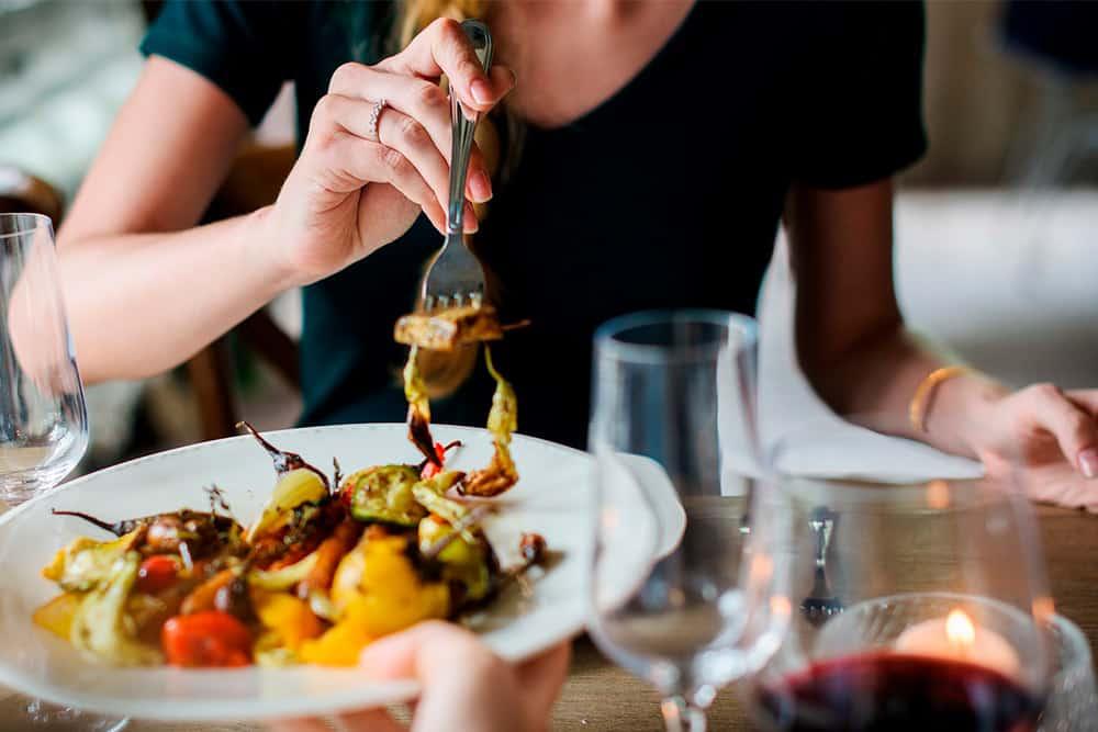 Nutrición y alimentación: aprende a diferenciarlas